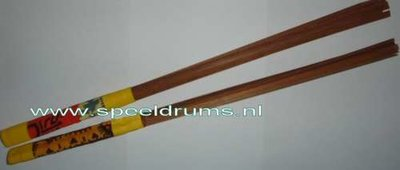 Akangatide Natural Wood Brushes / Paco Sery (1 paar)