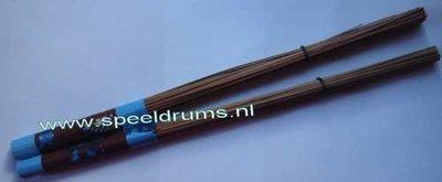 Akangatide Natural Wood Brushes / Wil Calhoun (1 paar)