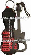 Flessenopener-in-de-vorm-van-een-elektrische-gitaar-zwart